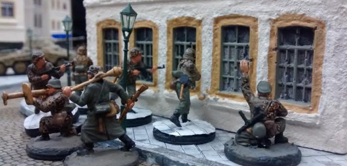 """""""In den verwinkelten Gassen der Altstadt angekommen, führt der Offizier seinen Trupp umsichtig ins Gefecht."""" Aus der Vogelperspektive der Spieler sind viele der hier sichtbaren Details nicht mehr zu erkennen."""