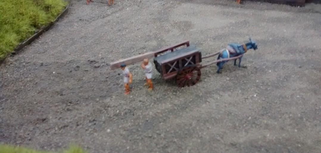 Diorama Römerkastell: Lastentransport von Baustoffen mit Eselskarren