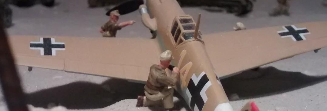 """Die gelbe """"14"""" muss mal wieder nachgezogen werden. An so einer Bf 109 ist irgendwie immer was zu tun."""
