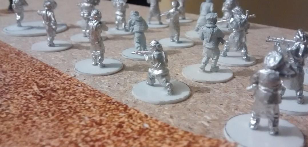 Die Truppen der Taliban. Viel Turban, wenig schwere Waffen, dafür viel Kampfeswille.