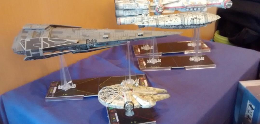 Ein paar Raumgleiter aus der Star Wars Ecke.