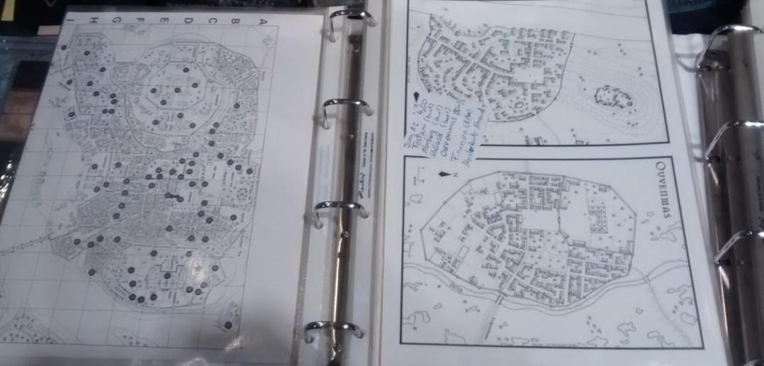 Einige Stadtpläne und Grundrisse, die einem Gamer als Vorlage für ein Szenario dienen können.
