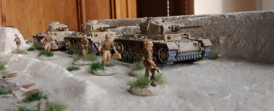 Die drei Panzer III mit 5cm-KwK.