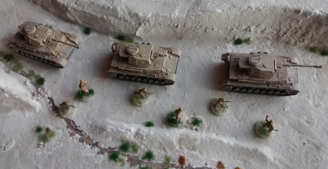 Die drei vorderen Panzer IV