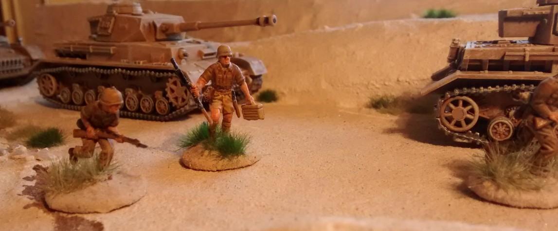 Numero 2 mit begleitender Infanterie