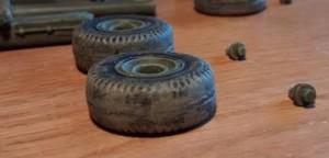 Räder und Bolzen der 6-Inch-Kanone nach der Bemalung