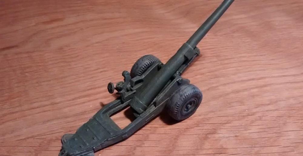 Ansicht der Strelets A004 6-Inch Mark XIX Cannon von seitlich Rechts