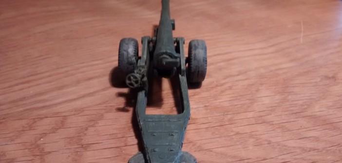 Ansicht der Strelets A004 6-Inch Mark XIX Cannon von Hinten