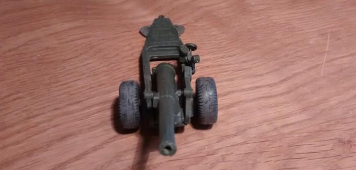 Ansicht der Strelets A004 6-Inch Mark XIX Cannon von Vorne