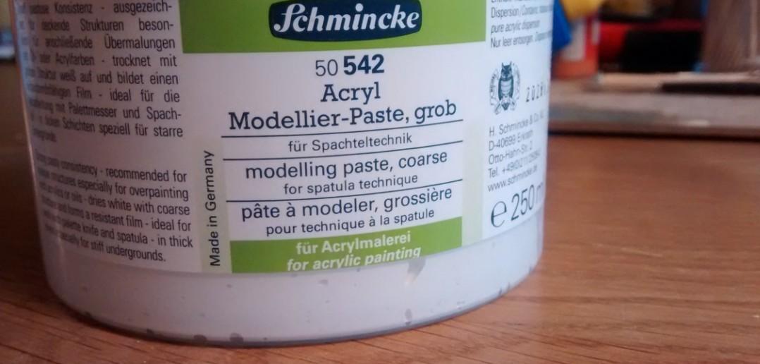 Schmicke 50542 Acryl Modellier-Paste grob für die unregelmäßige Gestaltung der Schnee-Oberfläche auf der Base.