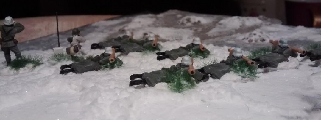 Aufnahme der Panzerschreck-Schützen von hinten.