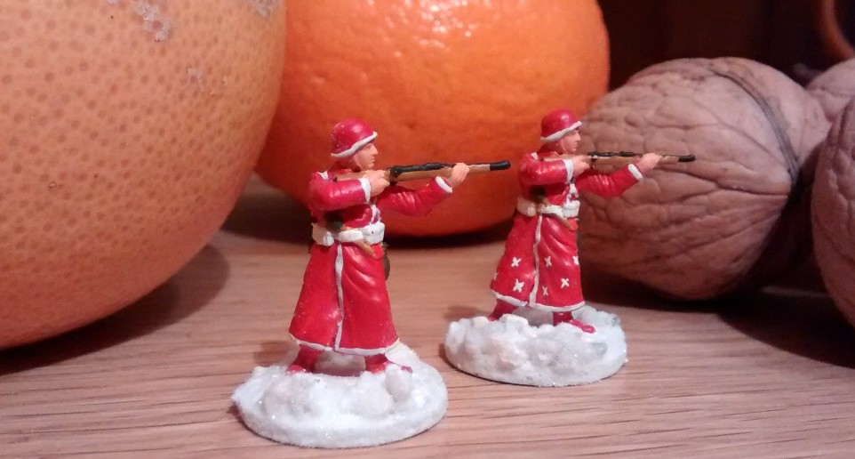 """Ein weiterer Auszug aus dem Weihnachts-Katalog der Wehrmacht: Das Tarnschema """"Sternenschauer"""" ermöglicht den Einsatz von Geschenktrupps auch in entlegenen Gebieten, die von regelmäßigem Polarlicht betroffen sind."""