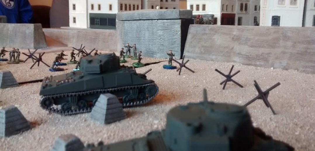 Der erfolglose Beschuss des Pak-Bunkers hält an.