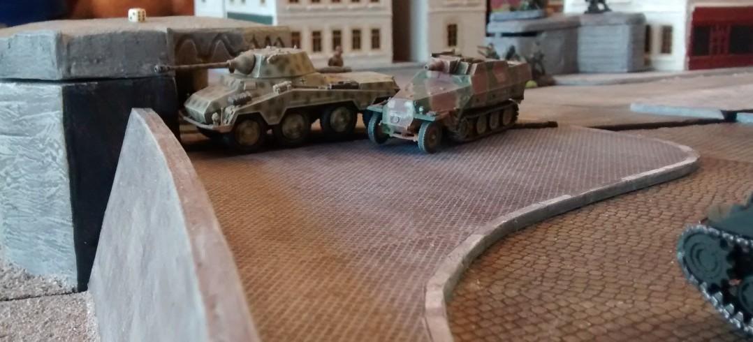 Puma und Stummel nehmen den Feind sogleich unter Beschuss.