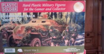 PSC Plastic Soldier Company WW2V200069 German Halftrack Sd.Kfz.251/D