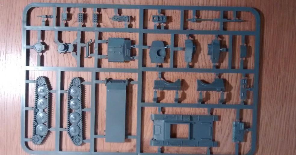 Die Vorderseite des zweiten Bitz des Panzer 38(t) / Marder Bausatzes der Plastic Soldier Company