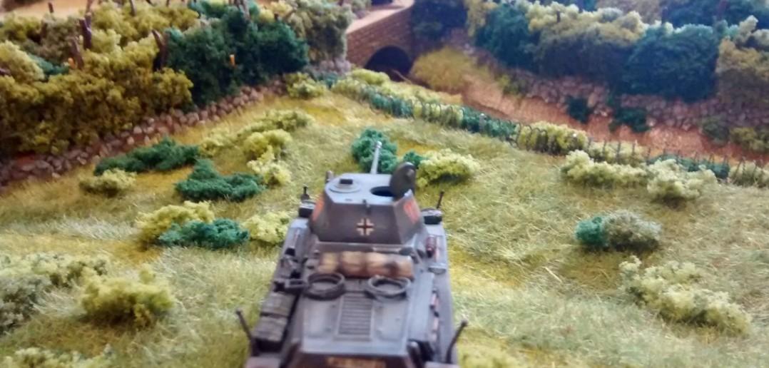 Der Puma riskiert einen Schuss auf den Bazooka-Schützen an der Spitze des kanadischen Trupps.