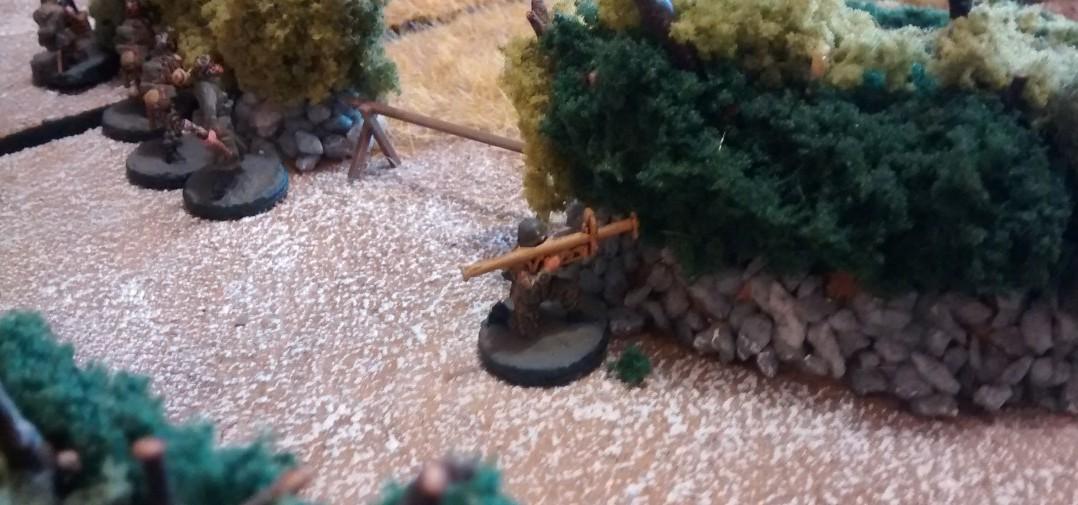 Der deutsche Panzerschreck-Schütze knöpft sich den M8 Greyhound vor.