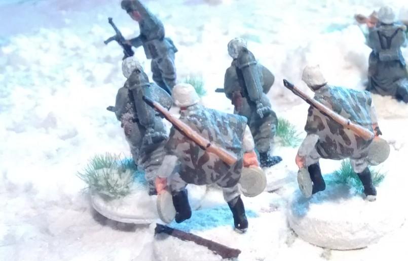 Offz, 2 Flammenwerfer und 2 Pioniere/Schützen.