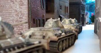Panzerbär-Szenario #3: ein KV-2 und zwei StuG III vs. 6x T-34/76 und 2x KV-I
