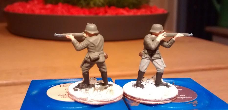 Der stehende Schütze ist neben dem MPi-Schützen und dem Offizier mit Abstand der am angenehmsten zu bemalende Herr des Vereins. Alle Partien sauber ausgebildet. Alle Partien gut erreichbar.