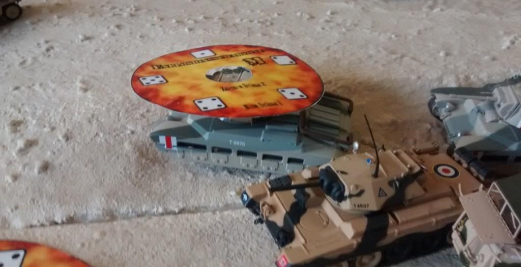 Die 81mm-Granatwerfer werden oftmals unterschätzt. Die vier 81mm-Granatwerfer aus dem Wadi Tarfaui nehmen die britischen Panzerspitzen unter Feuer - und landen erste Treffer.
