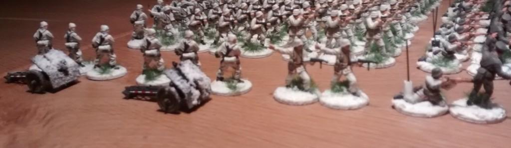 Die 11. Kompanie des Schützen-Regiment 103 ist in meiner BO-Armee mit zwei leichten IG 18 ausgestattet. Die Zugfahrzeuge habe ich jetzt mal aus dem Bild gelassen.