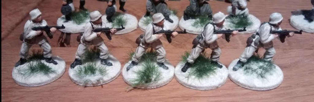Fünf MPi-Schützen ergänzen den 10er-Trupp.