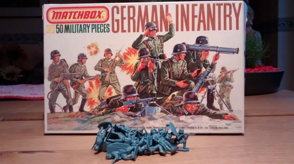 """Von den """"German Infantry"""" von Matchbox habe ich noch 20 Mann über. Die müssen nun für den Versuch herhalten."""