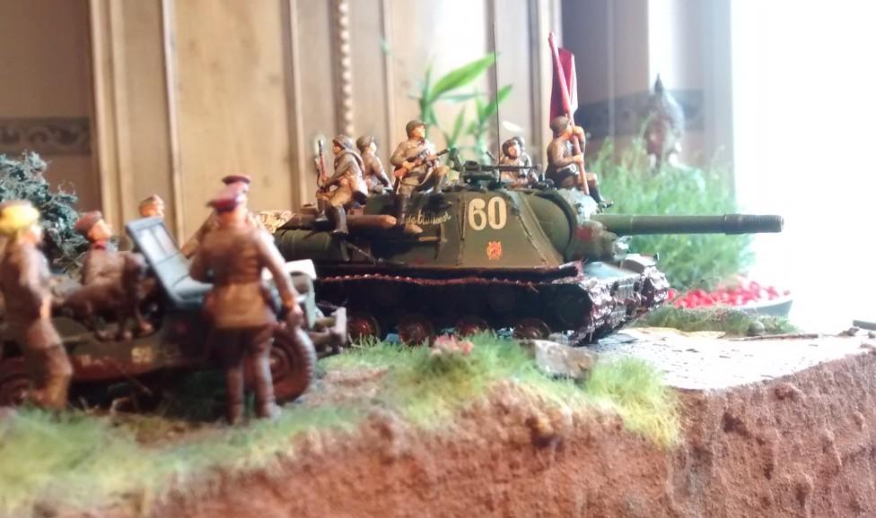 """Das erste ISU-152 mit der Nummer """"60""""."""