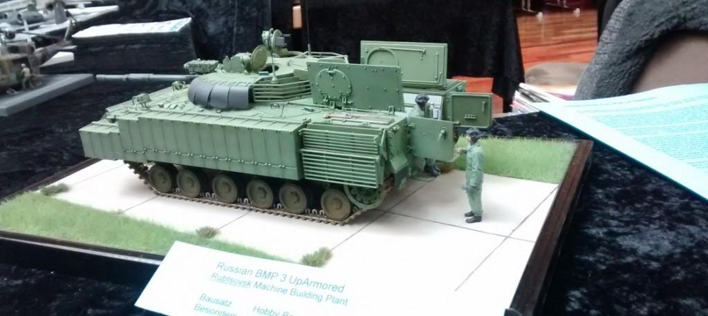 Russischer BMP-3, aufgerüstet mit Reaktiv-Panzerung von Hobby-Boss
