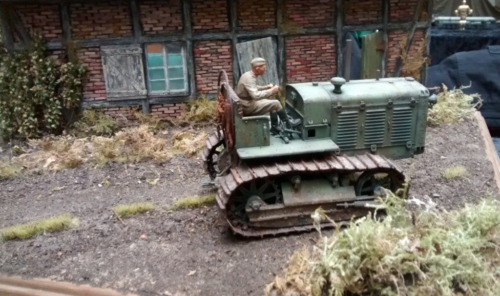 Ein russischer Artillerie-Traktor