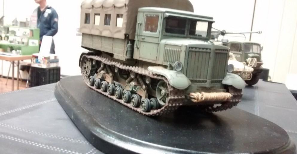 """Russischer Artillerie-Traktor """"Komintern"""""""