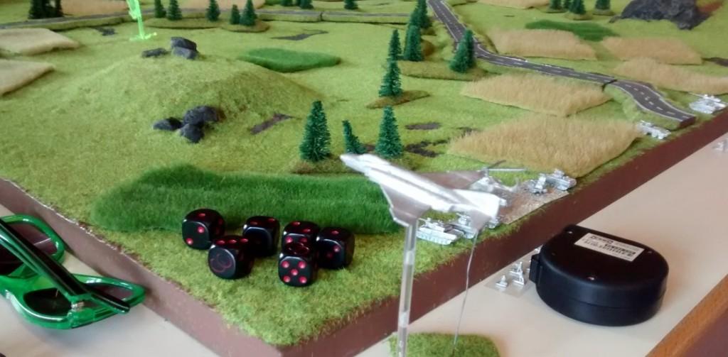 Cold War Commander: eine F-4 Phantom und eine Bo-105 der Bundeswehr am Spielfeldrand
