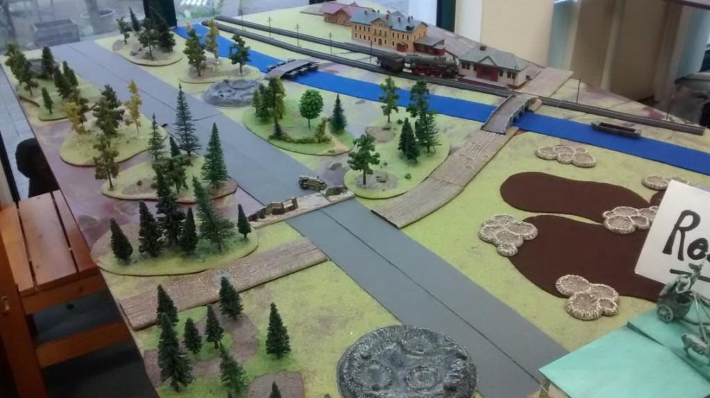"""Die Ost-West-Achse auf der Spielplatte des Table-Top-Game-Event """"Berlin 1945"""" am 07.05.2016 im Fantasyladen in Mainz."""