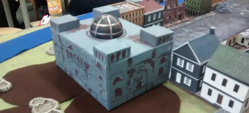 """Der Reichstag auf der Spielplatte des Table-Top-Game-Event """"Berlin 1945"""" am 07.05.2016 im Fantasyladen in Mainz."""