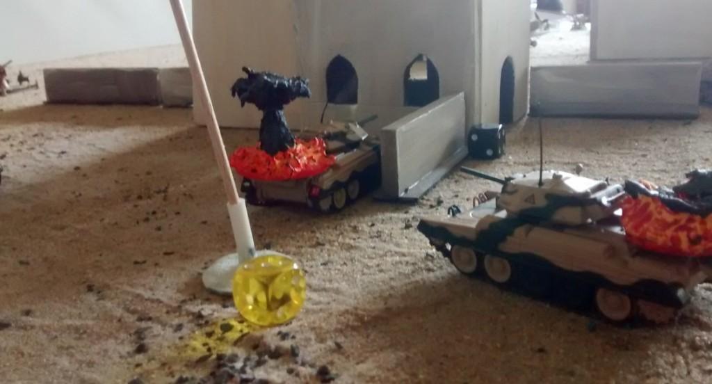 Der Ressourcenmarker an der Atak-Moschee fordert einen hohen Tribut. Die leichten Cruiser-Panzer werden schnell das Opfer beherzter Angriffe der italienischen Infanteristen mit Haftladungen.
