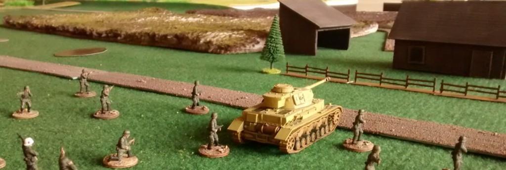 Ein Grenadierzug (30 Mann) erhält Verstärkung durch einen Panzer IV G.