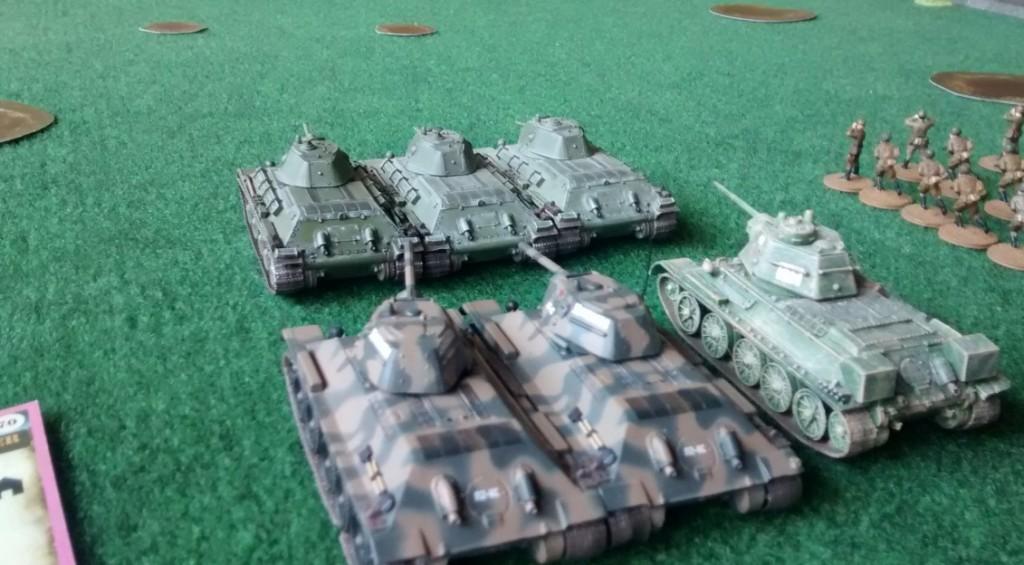 ... und diesen begleitenden T-34/76.