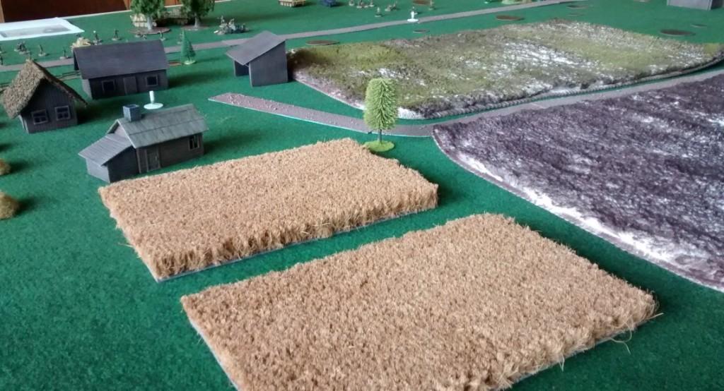 Ausgedehnte Getreidefelder sind der deutschen Stellung vorgelagert.