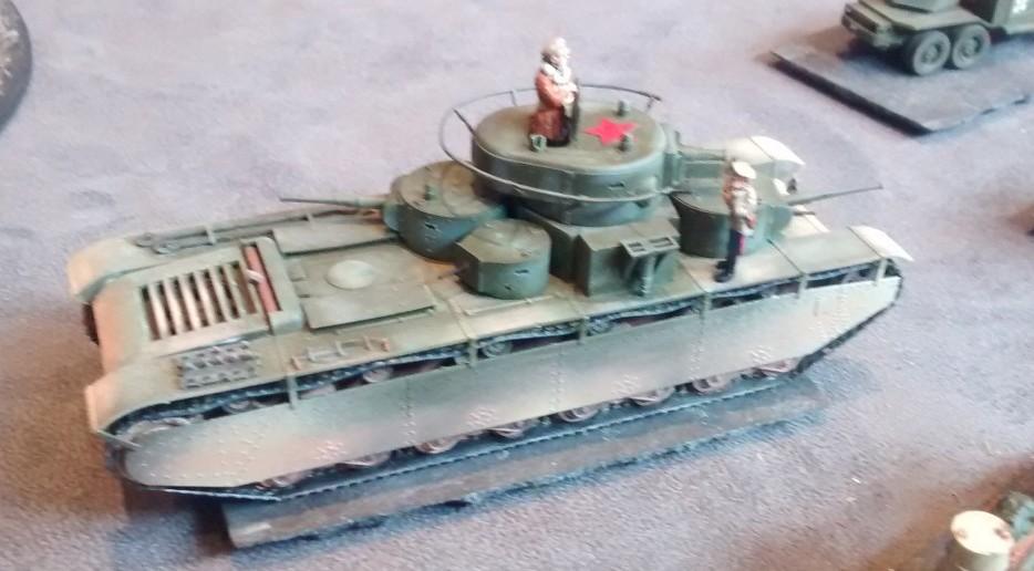 Ein russischer schwerer Kampfpanzer T-35