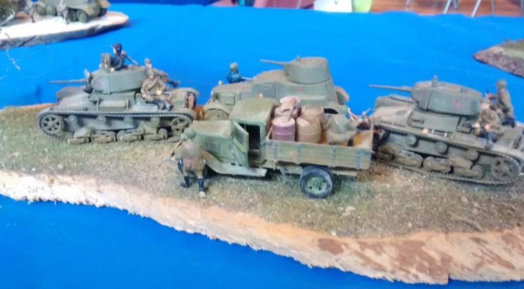 Diorama einer russischen T-26-Panzerkolonne