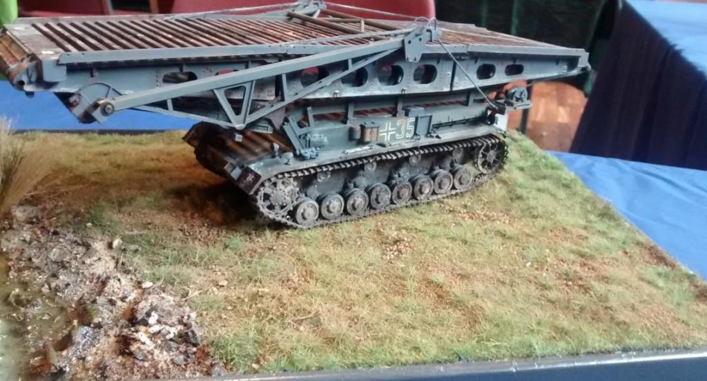 Einer der nur 80 Brückenlegepanzer IV der Wehrmacht.
