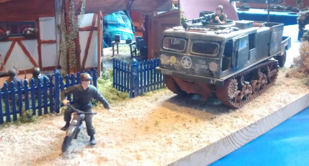 Diorama mit dem US-Artillerietraktor M4 High-Speed-Tractor