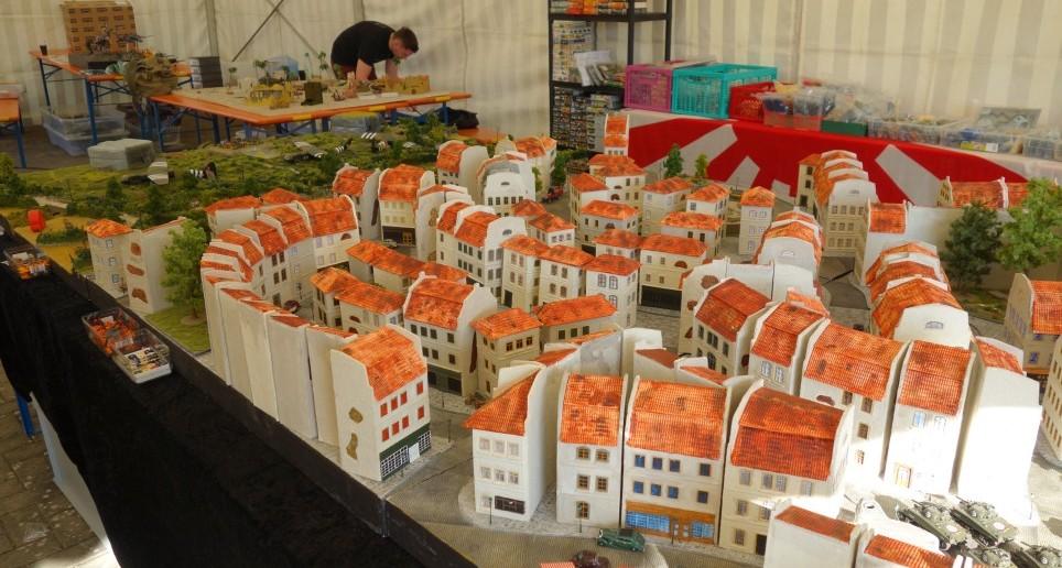 """Hier nochmal die Vorstadt - die """"Banlieue"""" - von Saint-Aubin-Sur-Mer"""