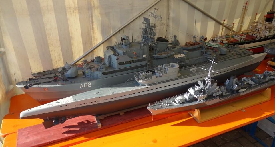 Schutzbefohlene Schiffe im Table-Top-Zelt vor Saint-Aubin-Sur-Mer