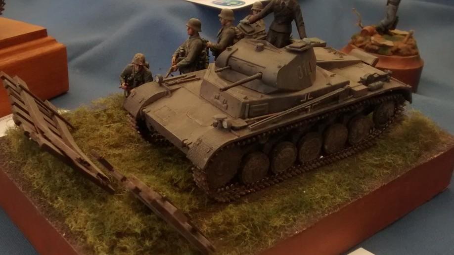 Panzer II Ausf. C des Panzerregiment 35 der 4. Panzerdivision in Frankreich im Jahr 1940 von Tamiya mit Friul-Metall-Ketten