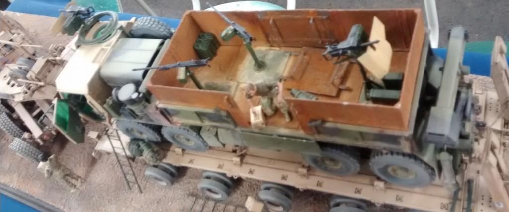 Sattelschlepper Hobby Boss Oshkosh M1070 / M1000 HETS Vehicle Model Building Kit