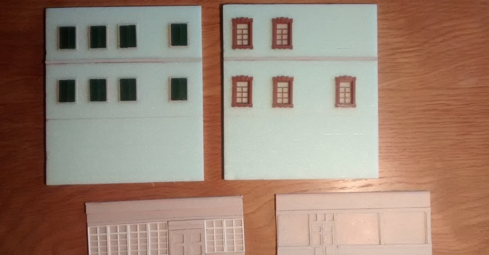 Wie man sehen kann, wurden die Ladenfronten aus Pappstreifenschichten auf die Trittschalldämmung aufgesetzt.