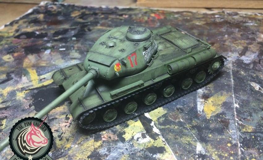 Dieser Kampfpanzer Josef Stalin lief auch gerade bei Panzerschmied vom Band. Ähnlichere Leckereien stehen zu erwarten. Wir werden berichten.